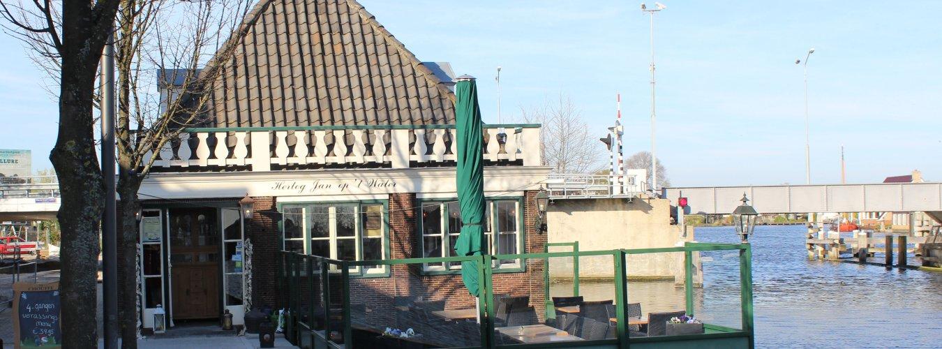 Voorjaarssoep op het terras